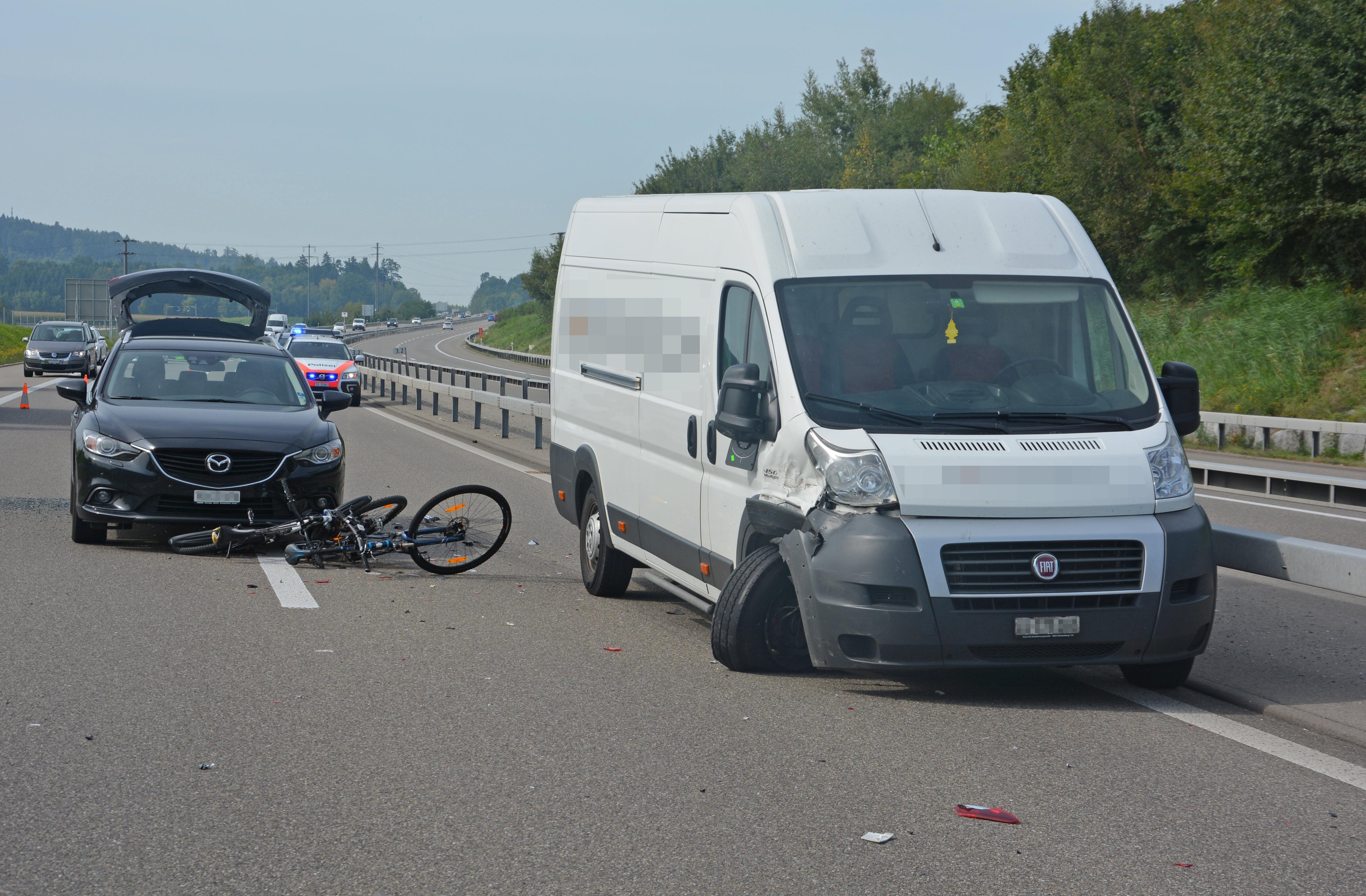 Verlorene Velos führen zu Unfall-Serie auf Autobahn im Thurgau - TOP ...