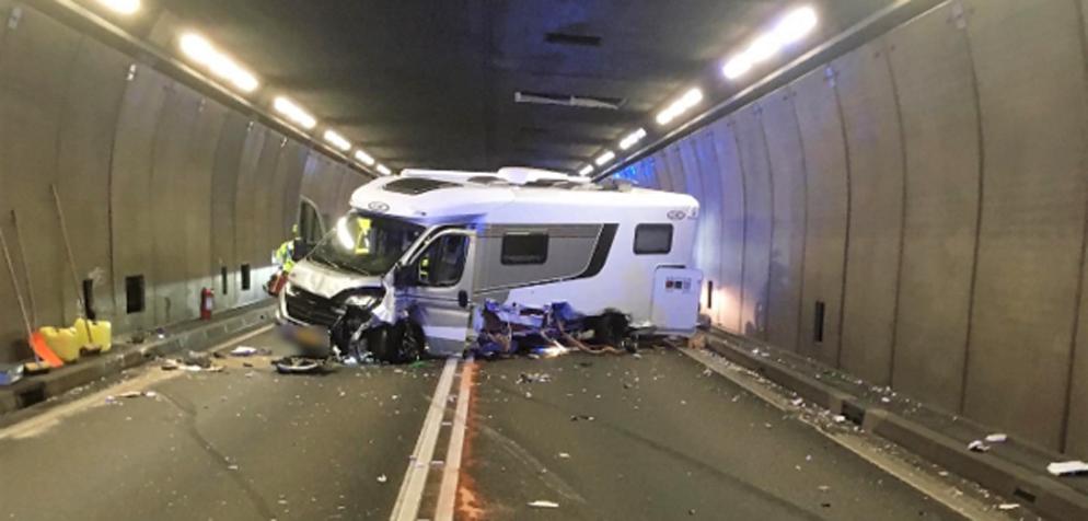 Sie Bemerken Im Tunnel Einen Unfall. Was Ist Zu Tun?