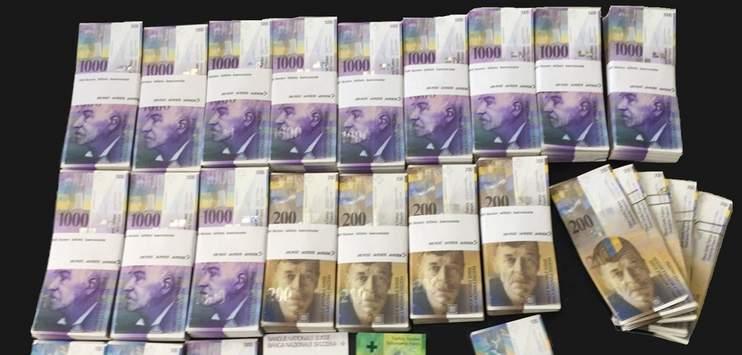 Der Mann hatte 1,3 Millionen Franken Bargeld im Haus (Bild: Kantonspolizei St.Gallen)