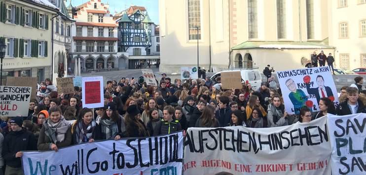 Teilnehmende an den Klimastreiks sollen in Zukunft kein Urlaubsgesuch mehr eingeben können. (Bildarchiv RADIO TOP/Elena Oberholzer)