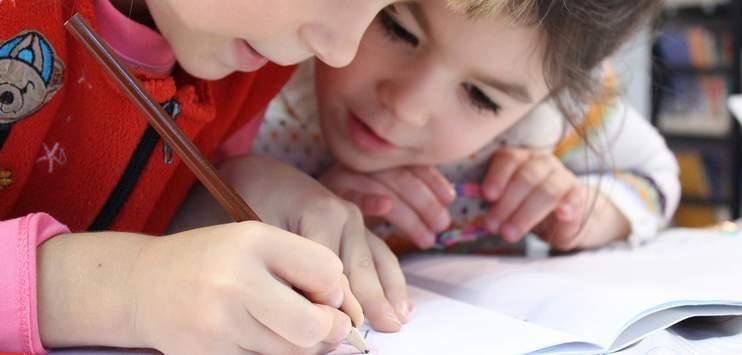Ein Grund für den Lehrermangel sind auch die steigenden Schülerzahlen. (Symbolbild: Pixabay.com/klimkin)