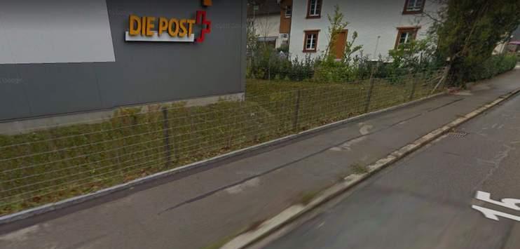 Der Mann überfiel die Poststelle in Kollbrunn (Bild: Screenshot google maps)