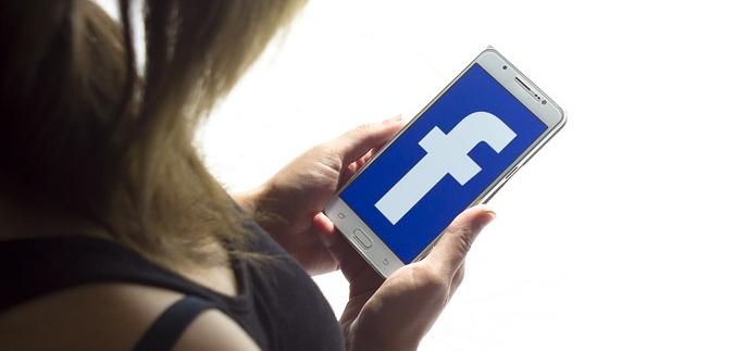 Auch Facebook soll Gespräche von Nutzern abgetippt haben. (Symbolbild: pixabay.com/Eastlandtunes)
