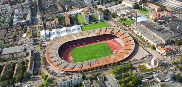 Im Letzigrund könnten nach dem Auszug der Zürcher Fussballclubs bald American Football und Rugby dominieren. (Bild: stadionletzigrund.ch)