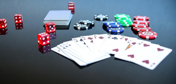Die Frau gewann im Poker 30'000 Franken. (Symbolbild: pixabay.com)