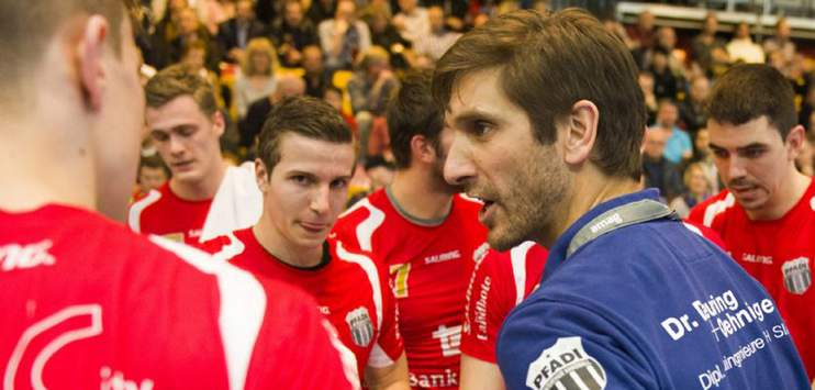 Pfadi Trainer Adrian Brüngger im element. (Bild: Archivbild toponline.ch)