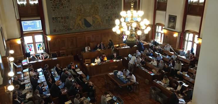 Der Grosse Gemeinderat Zürich nimmt es genau mit der gendergerechten Sprache. (Bild: RADIO TOP)