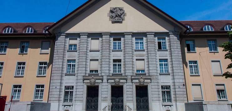 Der Einzelrichter am Bezirksgericht Zürich hat am Freitag zwei Ärzte vom Vorwurf der fahrlässigen Tötung eines Patienten freigesprochen (Bild: gerichte-zh.ch)