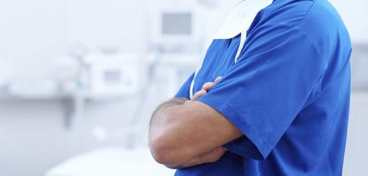 Spitalangestellte sollen für ihre Umkleidezeit bezahlt werden. (Symbolbild: pixabay.com)
