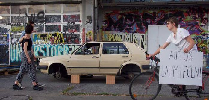Sieg für die Juso: Die Initiative «Züri Autofrei» ist doch nicht ungültig. (Bild: jusozueri.ch)